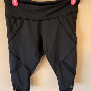 Cropped lululemon size 6 leggings